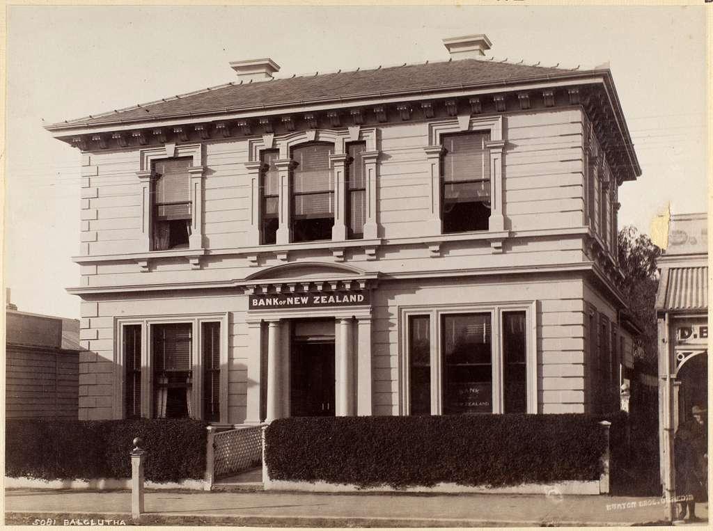 Balclutha [Bank of New Zealand building]